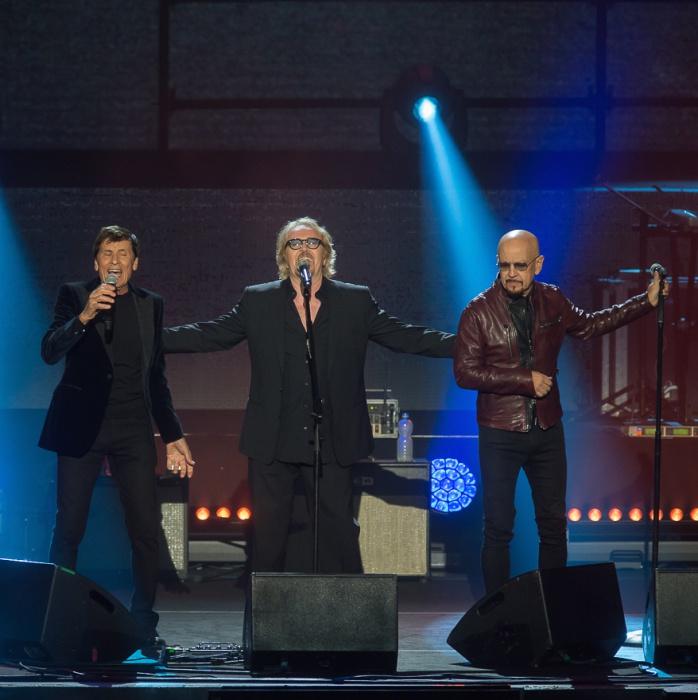 Umberto Tozzi con Gianni Morandi e Enrico Ruggeri all'Arena di Verona