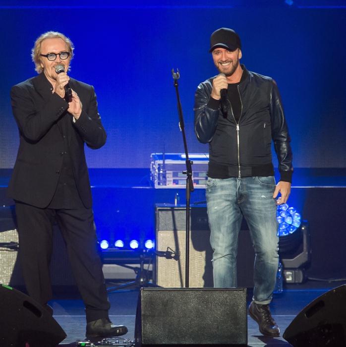 Umberto Tozzi con Raf all'Arena di Verona