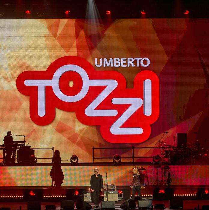 Umberto Tozzi con Ruggeri all'Arena di Verona