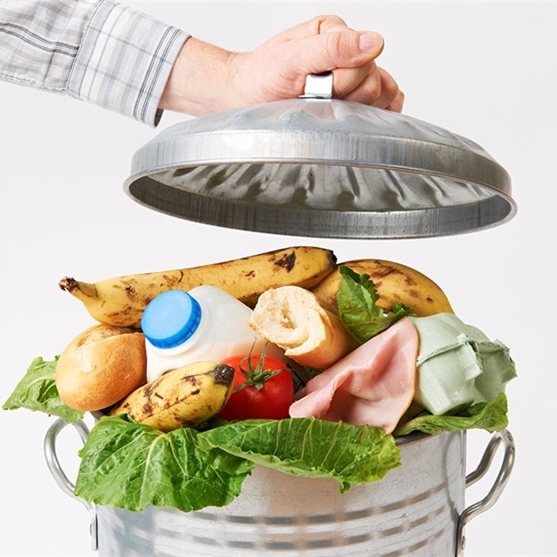 Italiani sempre più attenti al biologico e allo spreco alimentare