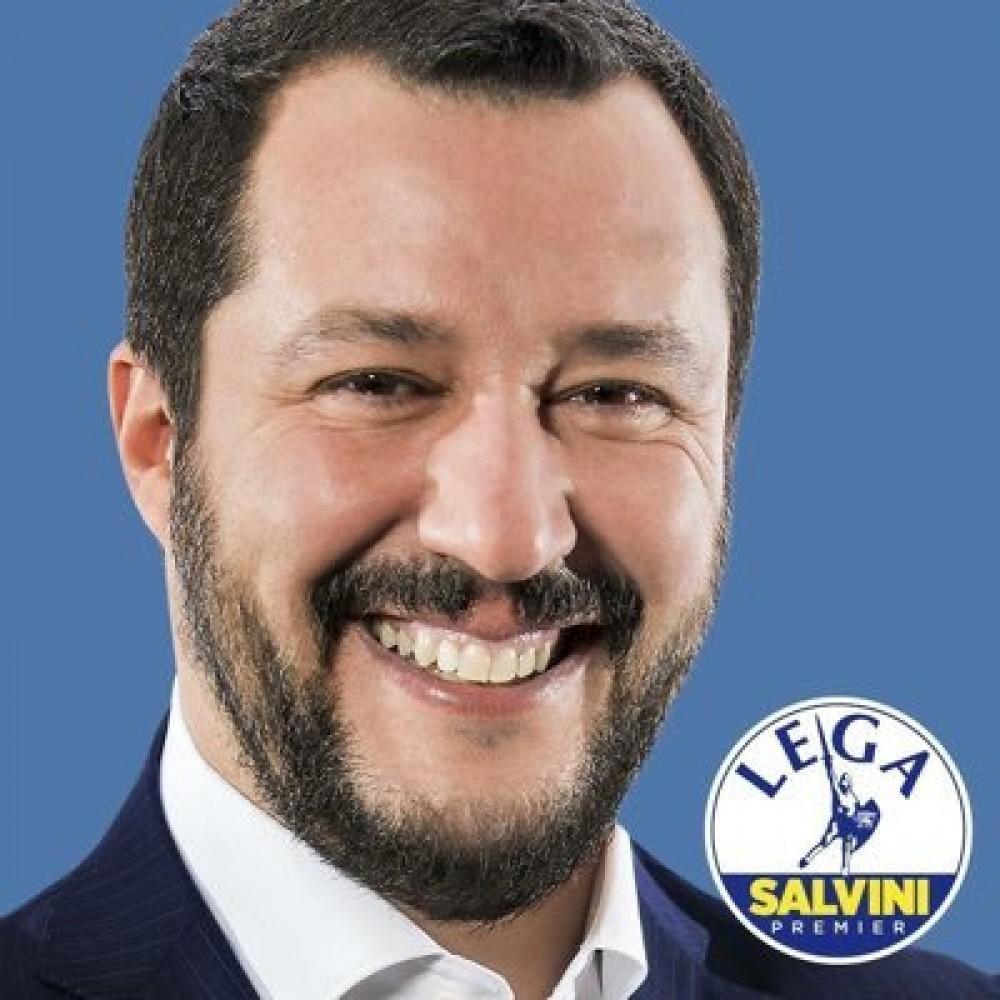 """Matteo Salvini in diretta a RTL 102.5: """"Sui migranti dobbiamo tornare ad un controllo doveroso dei confini"""" .""""È giusto tornare ai Decreti, basta con i DPCM"""""""
