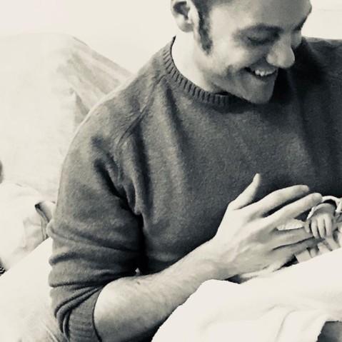 Tiziano Ferro, la notizia era bella ma la paternità è solo rimandata
