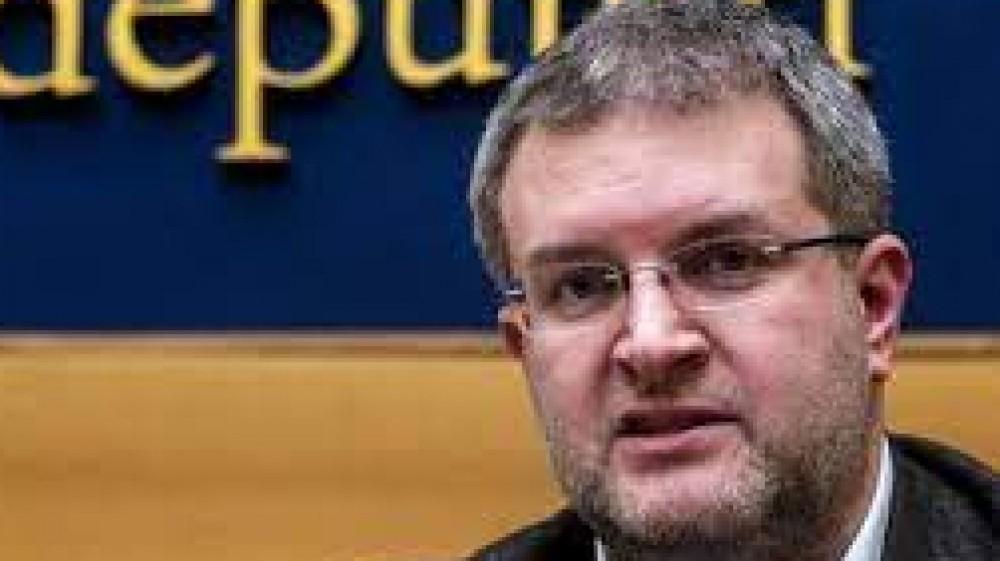 L'inchiesta di Fanpage  si indaga su Fidanza e Jonghi Lavarini  per finanziamento illecito e riciclaggio