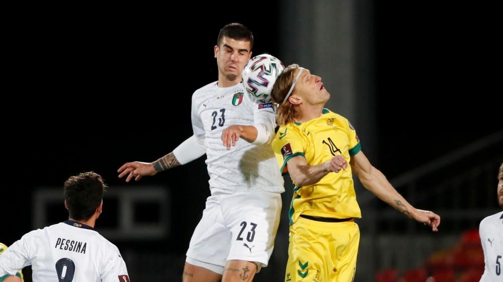 L'Italia vince ancora, 2-0 in Lituania, a segno Sensi e Immobile su rigore, Azzurri in testa al girone