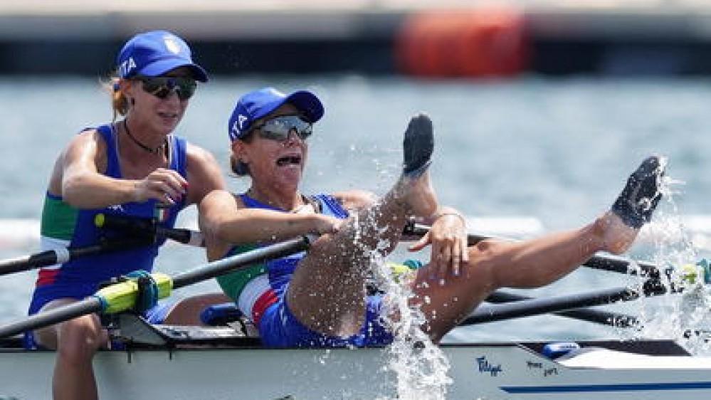 Olimpiadi: storica medaglia dal canottaggio femminile,  Cesarini e  Rodini sono oro nel doppio pesi leggeri