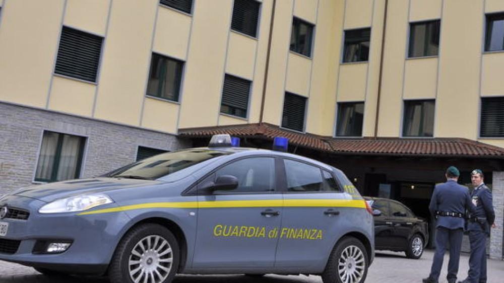 Truffa all'Università di Genova, 22 persone denunciate dalle Fiamme Gialle, esami e tesi di laurea falsati