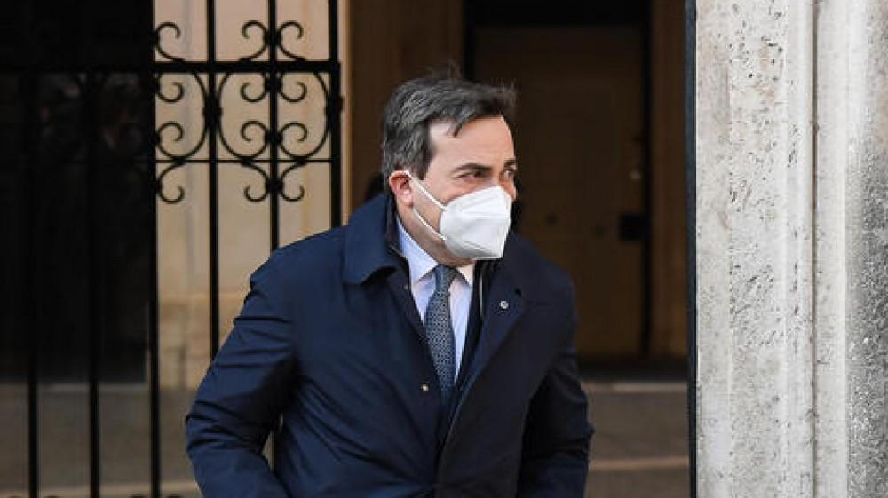 """Vincenzo Amendola in diretta questa mattina su RTL 102.5:  """"La battaglia contro il Covid si vince con i vaccini, non con le polemiche politiche"""""""