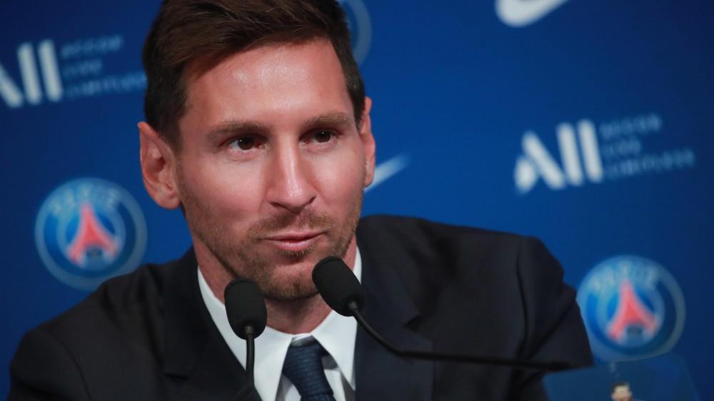 """A Parigi la presentazione di Messi al Paris Saint Germain, """"duro l'addio al Barcellona, ma sono felice"""""""