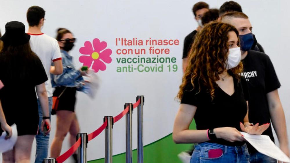 """A Rieti, nel Lazio, il primo """"Junior open day"""". Debutta la campagna di vaccinazione per i 12enni"""