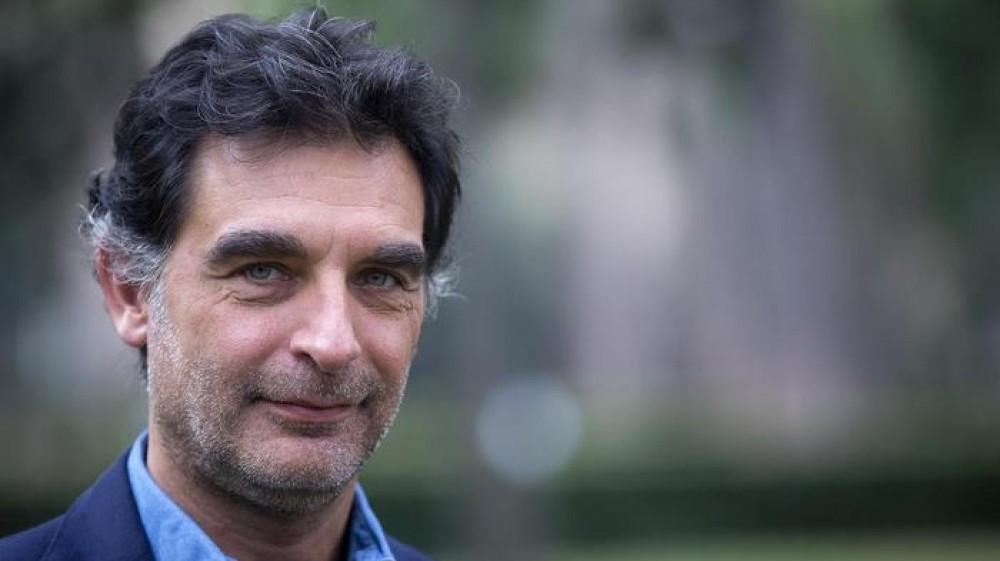 """""""Ascoltavo la radio di notte, devo tutto a mio padre"""", Tiberio Timperi si racconta a RTL102.5 News. E in diretta arriva una telefonata…"""