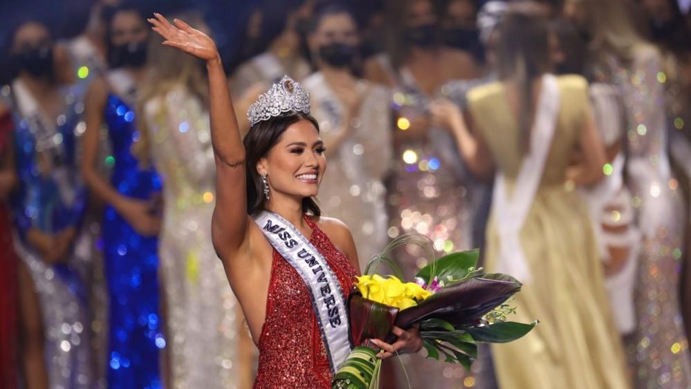 Adriana Meza, 26 anni, ingegnere e modella, è miss Universo 2021; il concorso era saltato nel 2020 per il Covid