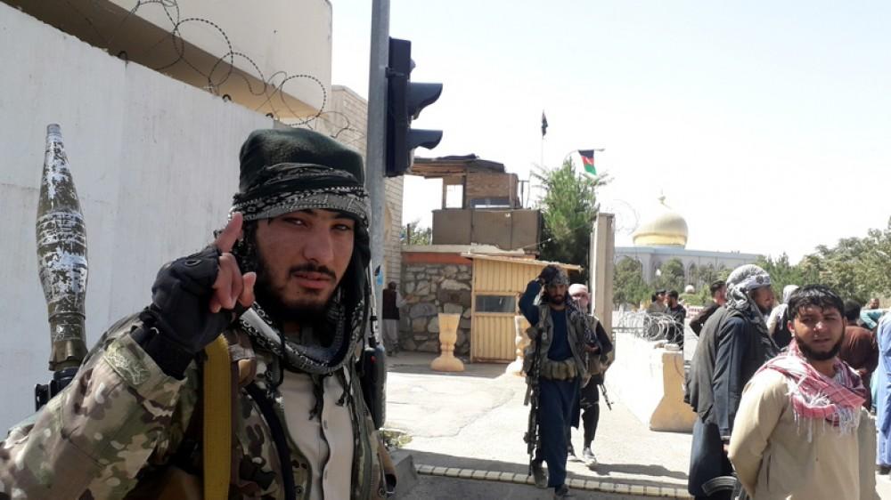 Afghanistan, i Talebani puntano Kabul. Gli insorti, non toccheremo i diplomatici. Occidente in allarme