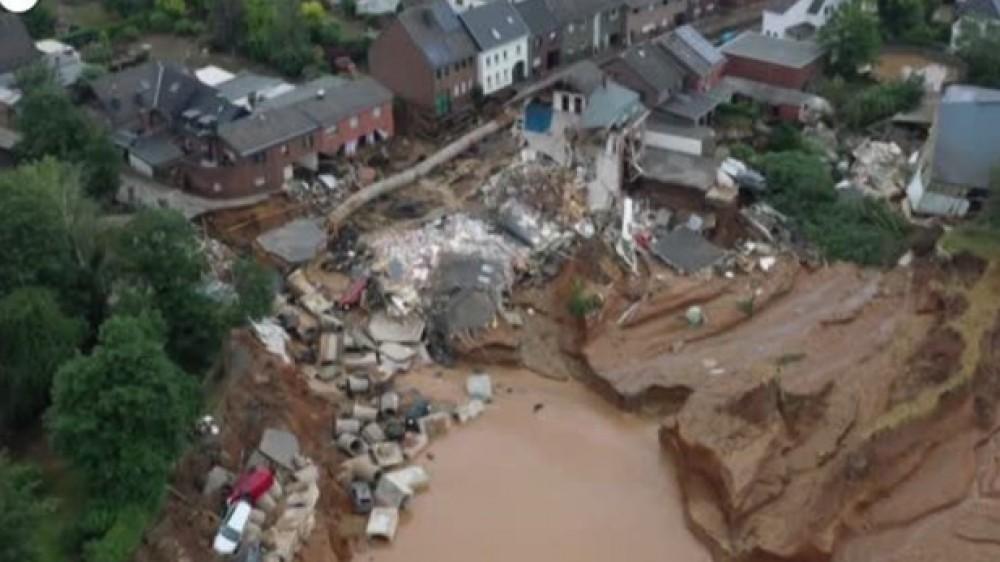 Alluvioni nel Nord Europa, in ginocchio la Germania, situazione critica anche in Belgio