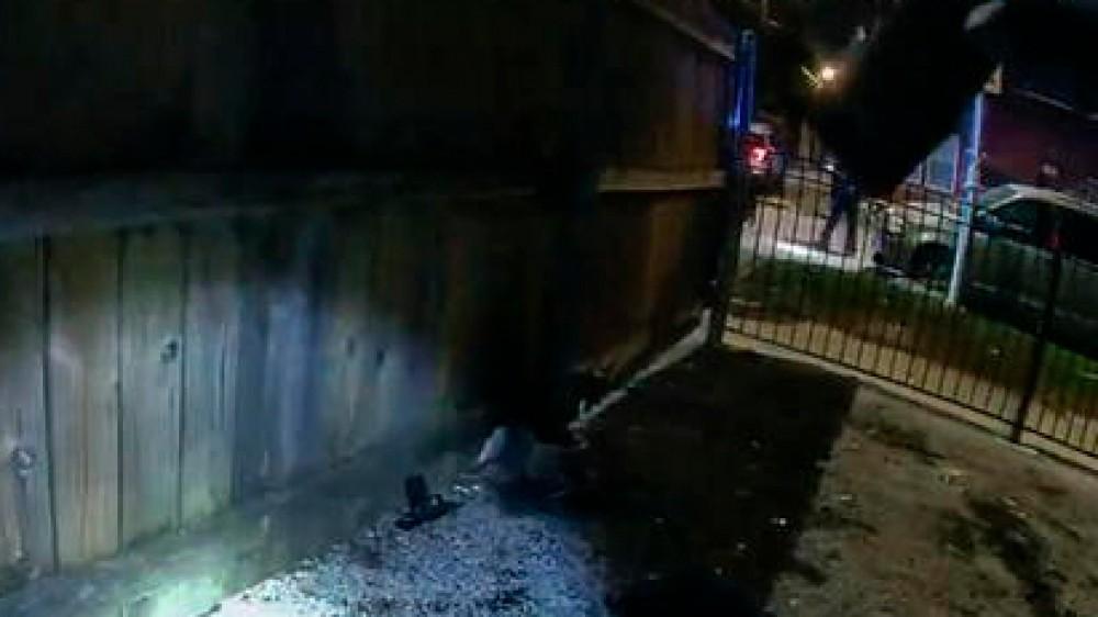 America violenta, in un video poliziotto spara e uccide un 13enne, a Chicago, sparatoria con vittime a Indianapolis