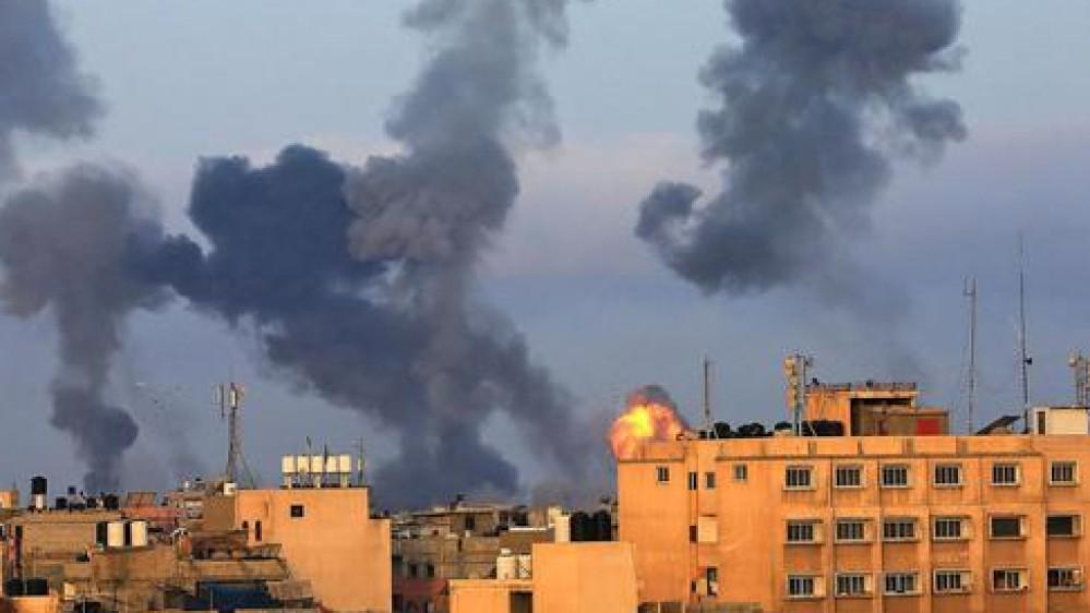 Battaglia nella notte a Gaza, lanci di razzi verso Israele, l'aviazione israeliana ha colpito obiettivi Hamas