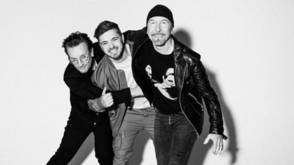 "Bono & The Edge: superstar ""virtuali"" insieme al dj Martin Garrix domani sera all'Olimpico per la cerimonia d'apertura degli europei"