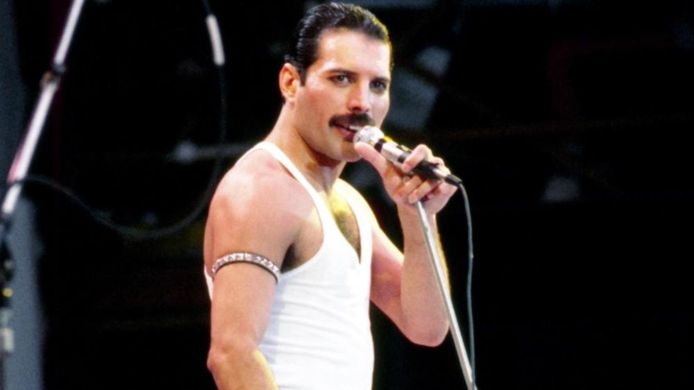 Buon compleanno Freddie Mercury: avrebbe 75 anni. Quel giorno al Live Aid in cui fu incoronato re...