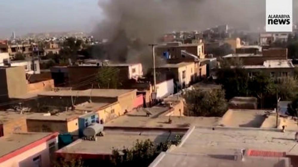 Caos a Kabul, ancora morti nella capitale, i talebani faranno partire gli afghani  con documento di viaggio estero