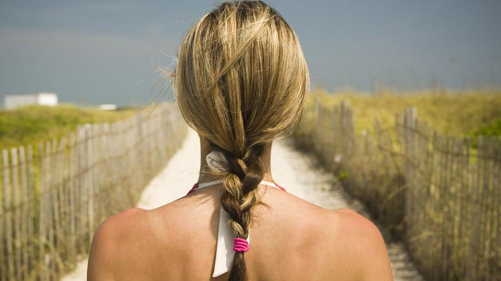 Capelli in vacanza, ricci o lisci, lunghi o corti, mai dimenticare di curarli; vademecum di consigli per tutti