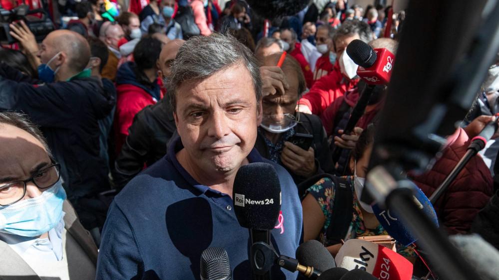"""Carlo Calenda a RTL 102.5: """"Sono contrario a fornire i tamponi gratuitamente a chi non si vuole vaccinare"""""""