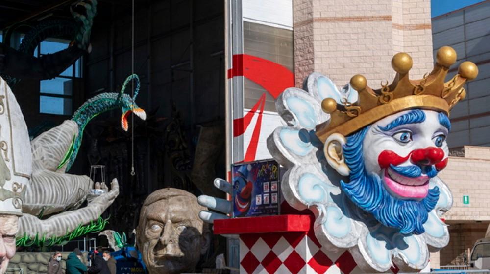 Carnevale di Viareggio, sold out la sfilata di chiusura, oggi la proclamazione dei vincitori