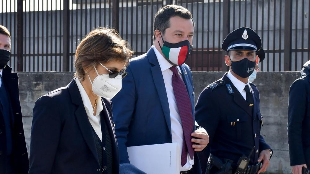 Caso Gregoretti, la procura di Catania chiede il non luogo a procedere per Salvini; ha agito d'intesa con il governo