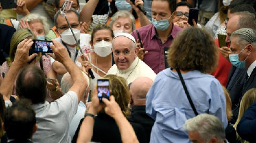 Clima, Papa Francesco riunisce religiosi e scienziati e ammonisce: la Cop 26 dia risposte a crisi ecologica
