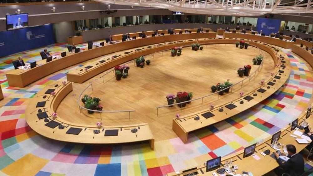 Consiglio europeo, Draghi predica ancora prudenza sul Covid, e sull'immigrazione è scontro con Giorgia Meloni