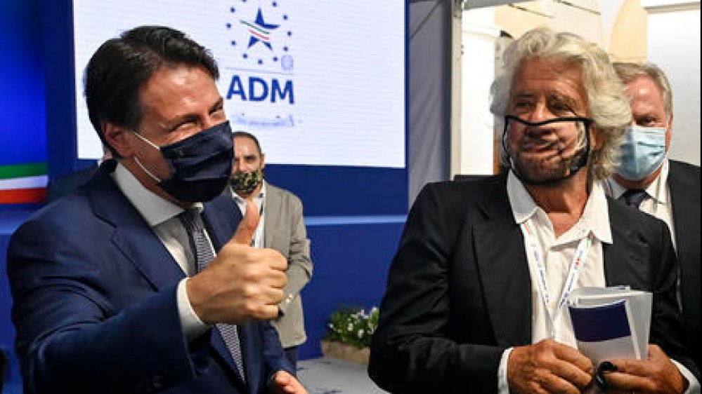 """Conte rimette il futuro del (nuovo) Movimento 5 Stelle nelle mani degli iscritti """"Non farò prestanome di un leader ombra"""""""