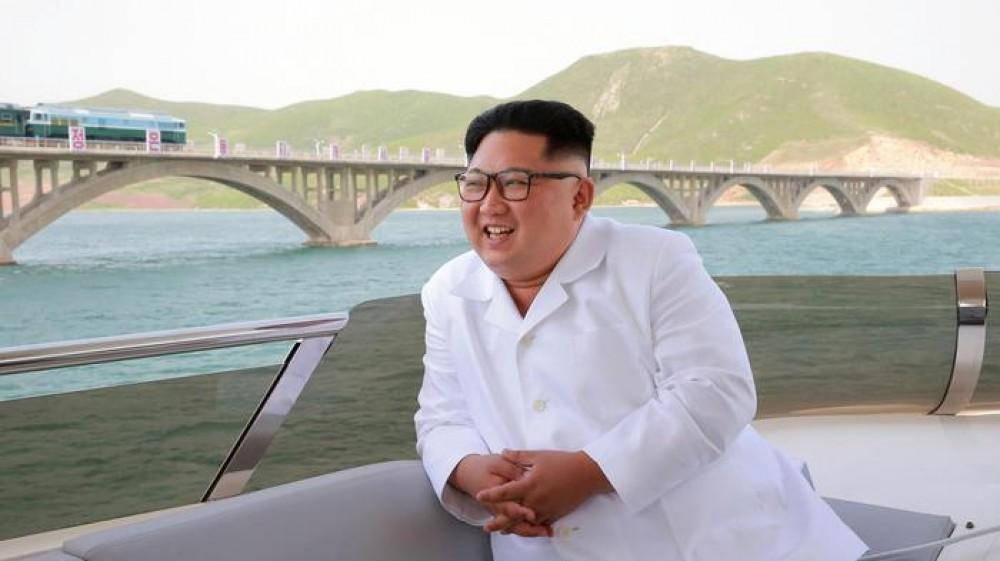 Corea del Nord, Kim Jong-Un è dimagrito, l'intero Paese è in apprensione, ma potrebbe trattarsi di un escamotage