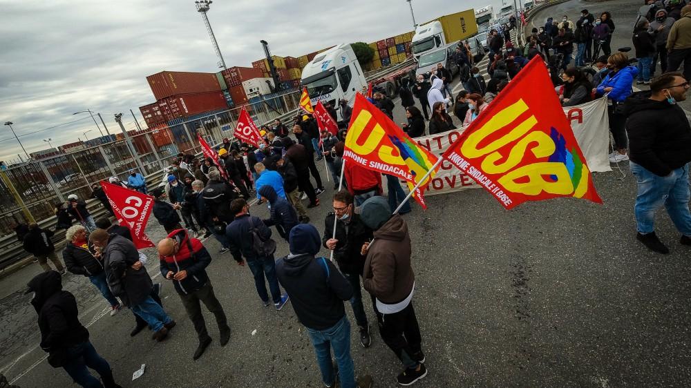 Cortei in mezza Italia per lo sciopero dei Trasporti. Usb, almeno 1 mln adesioni e 100 mila in piazza