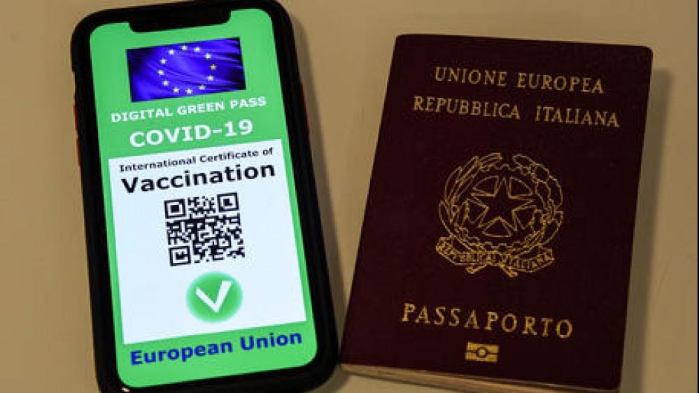 Covid, i numeri della pandemia. Il Green pass arriva in Vaticano, anche Papa Francesco ha il suo