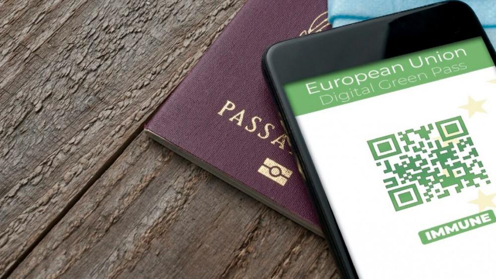 Dal Parlamento europeo è arrivato il via libera al Green Pass, servirà per viaggiare liberamente tra i paesi dell'Unione
