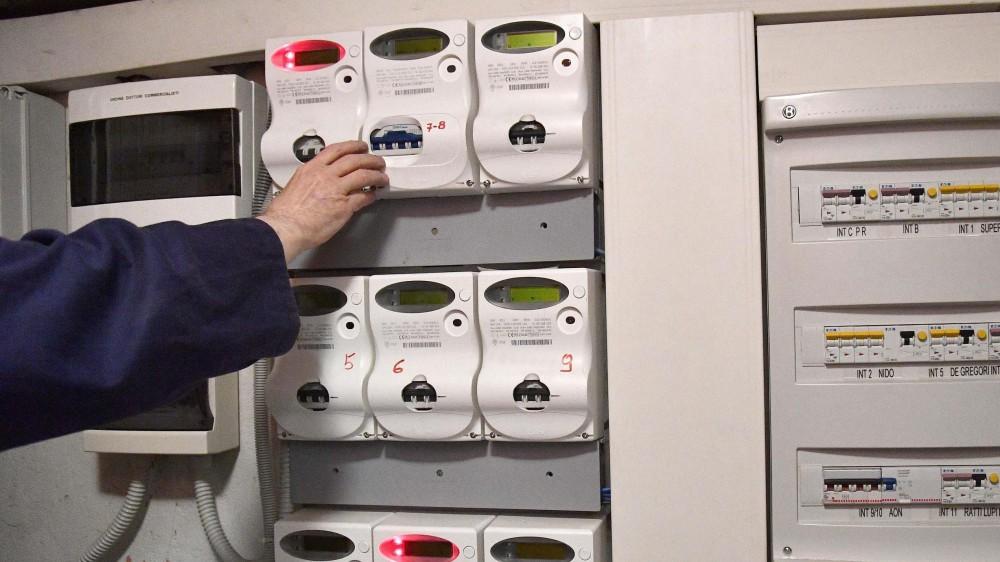 Dal primo ottobre stangata per le bollette energetiche, scatteranno gli aumenti del 29,8% per la luce e del 14,8 per il  Gas