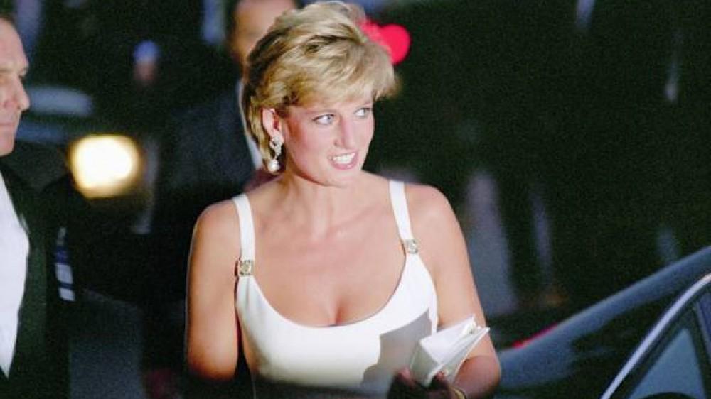 """Diana, 24 anni senza l'iconica """"Principessa del popolo"""". Indimenticabile Lady D"""