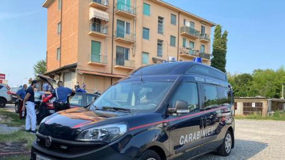Doppio omicidio con suicidio a Carpiano, nel Milanese. Un uomo stermina la famiglia e si uccide