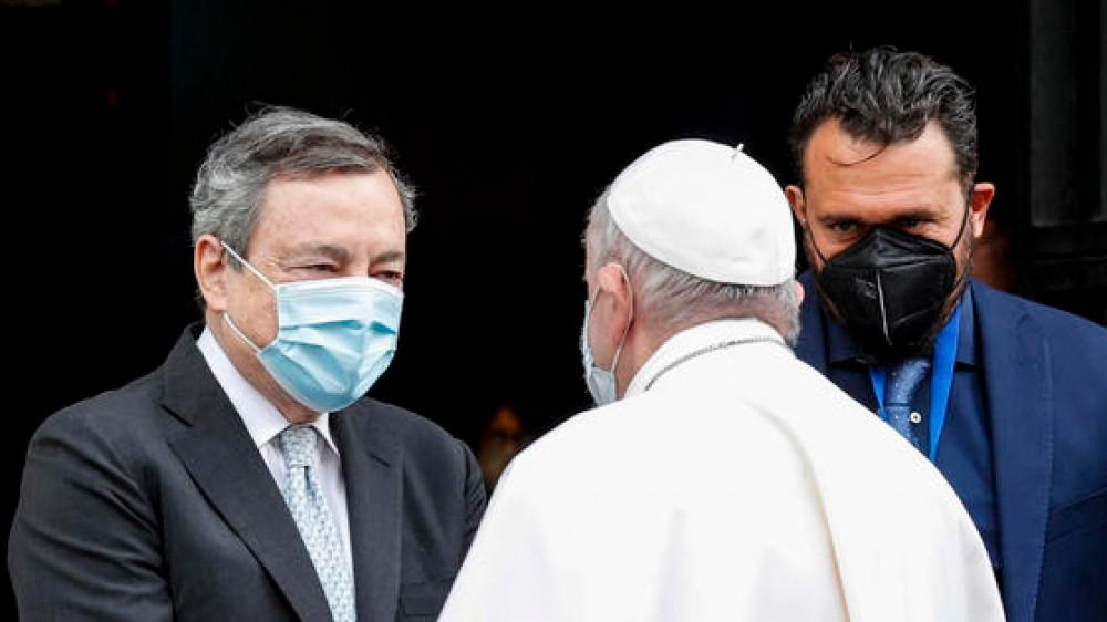 """Draghi: """"Lo Stato investa sulle donne, l'Italia senza figli scompare"""", Papa Francesco """"i figli sono il dono più grande, serve il coraggio di scegliere la vita"""""""