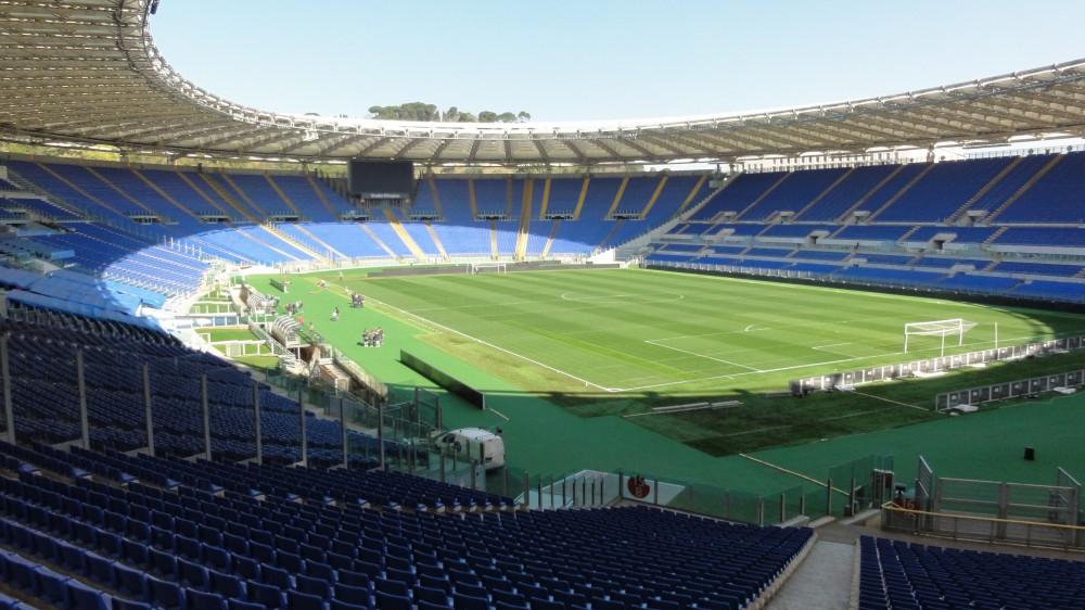 Europei di calcio, l'Uefa vuole il pubblico negli stadi, in bilico la candidatura di Roma