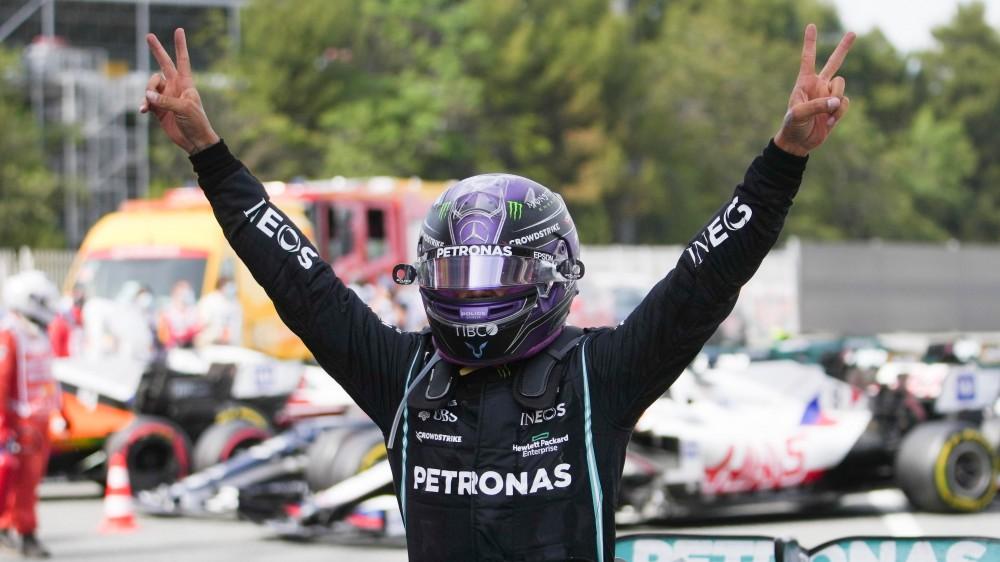 F1, Lewis Hamilton vince il Gran Premio di Spagna sulla pista di Barcellona, seconda la Red bull di Verstappen, terzo Bottas