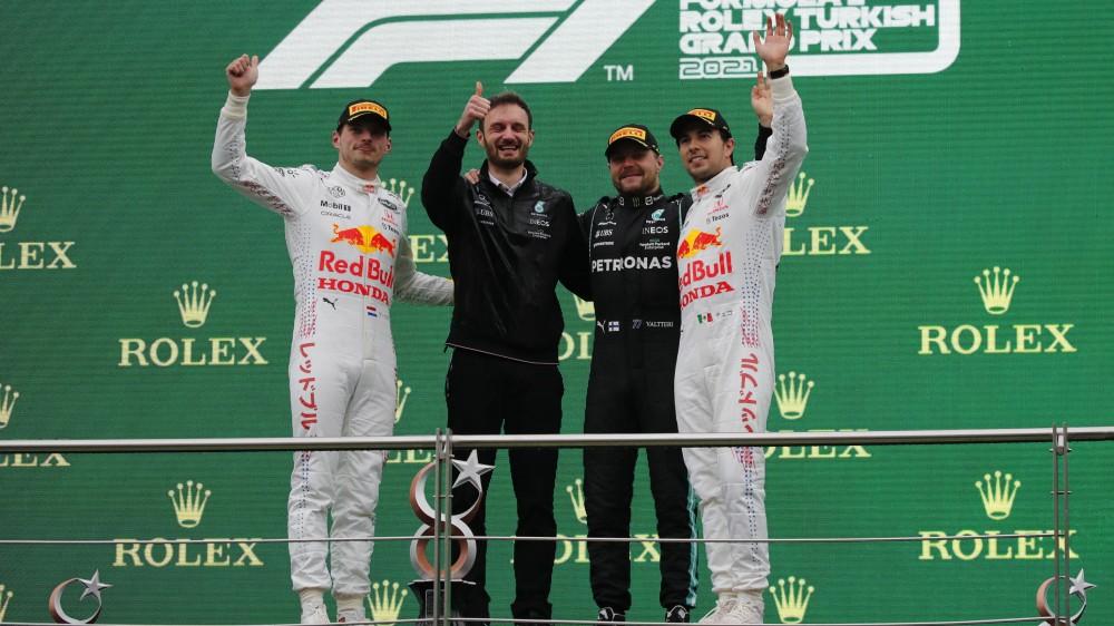 F1, Valtteri Bottas vince il Gran Premio di Turchia, sul podio Verstappen e Perez