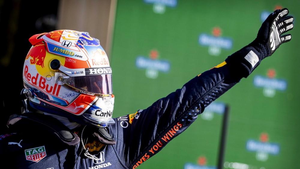 Formula 1, Verstappen in pole position  al Gran Premio d'Olanda, ma Hamilton c'è