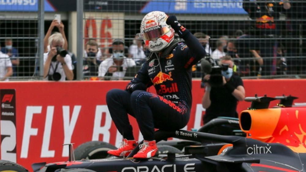 Formula 1, Verstappen trionfa in Francia e va in fuga, Hamilton secondo. Perez completa il podio