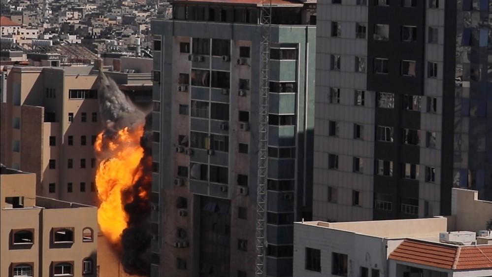 Gaza:continuano i bombardamenti israeliani, colpito edificio che ospita gli uffici di Al Jazeera