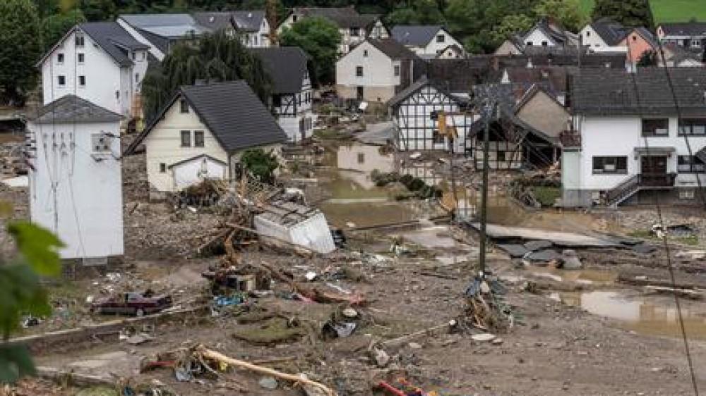Germania: nuova frana trascina case e auto, altri morti e dispersi. Vittime anche in Belgio, allerta in Olanda