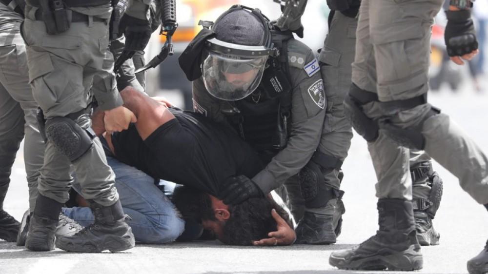 Gerusalemme, nuovi incidenti sulla Spianata delle Moschee, duecento manifestanti feriti, presenti 8mila fedeli islamici