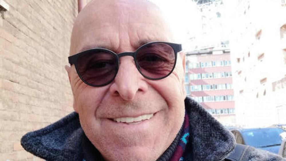 Giallo sulla morte di Massimo Manni, il regista di 61 anni, è stato trovato morto in casa a Roma