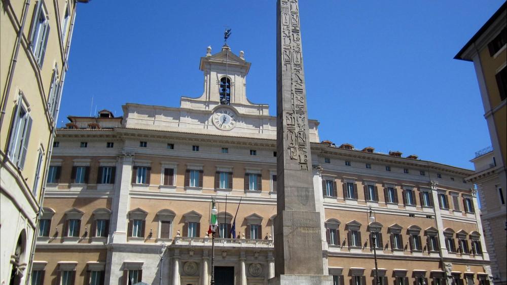 Governo, il ministro della Salute Roberto Speranza colora di bianco Abruzzo, Umbria, Liguria e Veneto