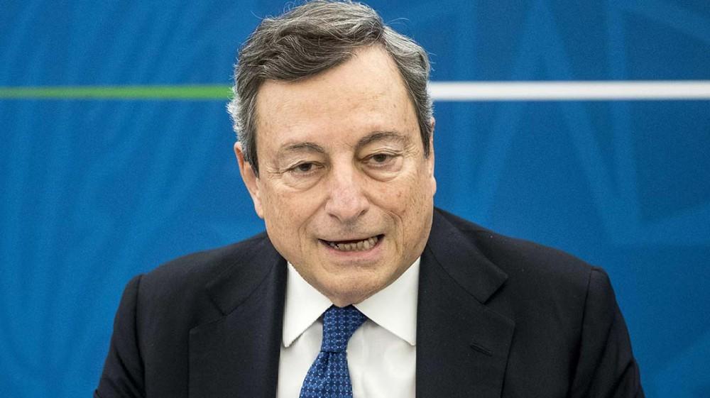 Governo, il premier Draghi loda il debito buono ma sulla pandemia invita di nuovo alla prudenza: 'Non è finita'