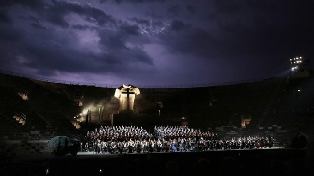 Grande successo per la prima e unica data, all'Arena di Verona, della Messa da Requiem di Verdi