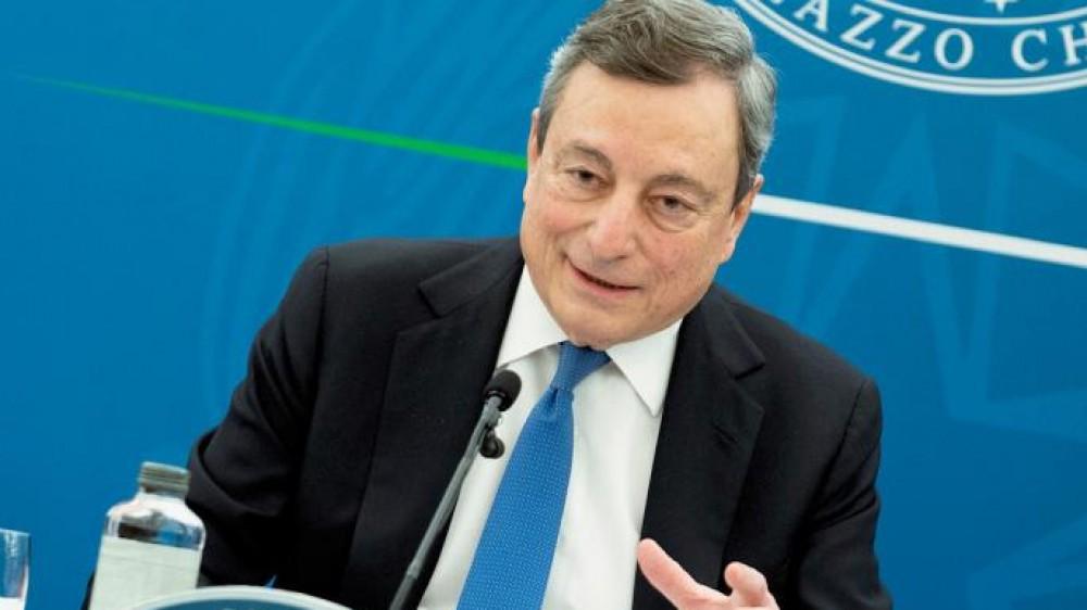 Green pass, Draghi rallenta sull'estensione e continua a trattare sugli statali e sui dipendenti privati